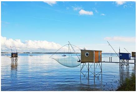 Les pêcheries: les cabanes les pieds dans l'eau