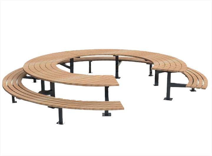 L'achat d'une table de pique-nique adaptée aux personnes à mobilité réduite